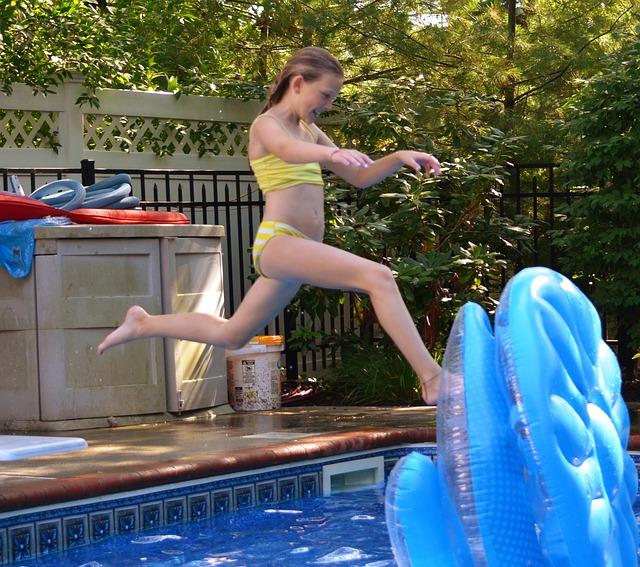šup do bazénu
